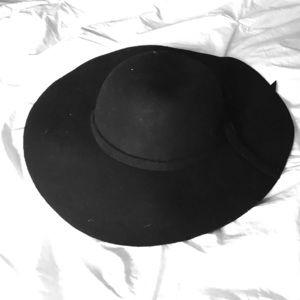 Black Wool Round Brim Hat Fall/Winter